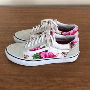 Vans white floral with white stripe sneaker 8.5